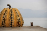 yellow pumpkin from yayoi kusama.. apparently does some stuff with lois vuitton.. following a japanese girl we met there